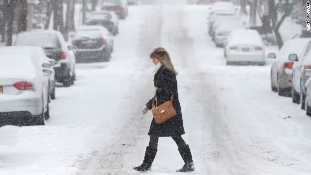 Brutal snow storm bears down on U.S.