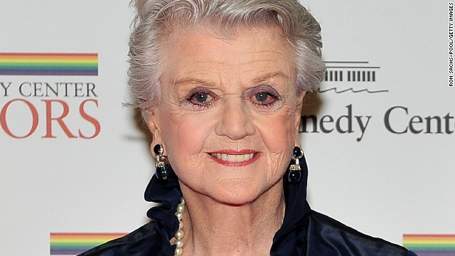 Angela Lansbury arrives for the formal artist's dinner for the Kennedy Center Honors on December 4, 2010 in Washington, D.C.