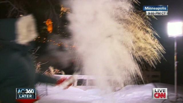 ac elam makes snow_00013011.jpg
