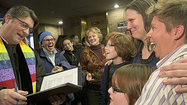 Utah pushes pause on same-sex marriages