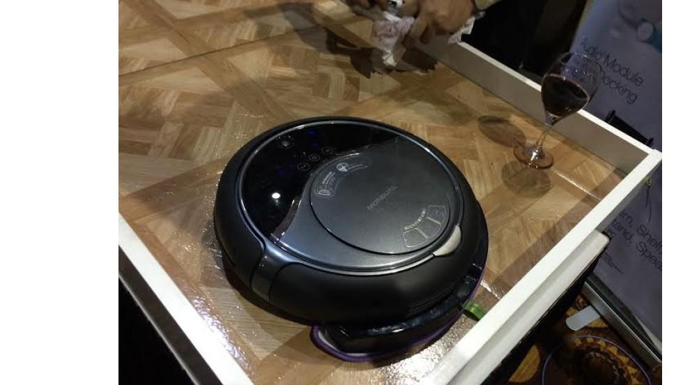 La aspiradora/trapeador robotizado, Rydis H68 Pro.