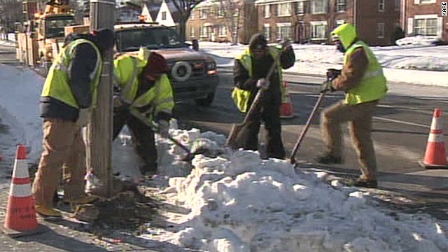 Workers brave bitter cold