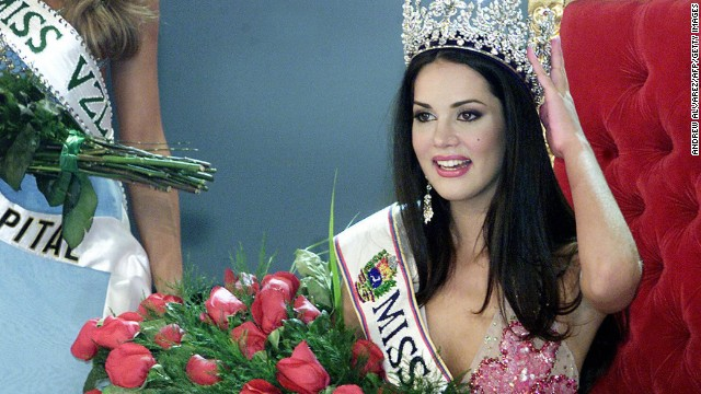 CARACAS, VENEZUELA: Venezuelan Monica Spear poses after being elected Miss Venezuela, in Caracas, 23 September 2004. Spear (19) is graduate in drama.