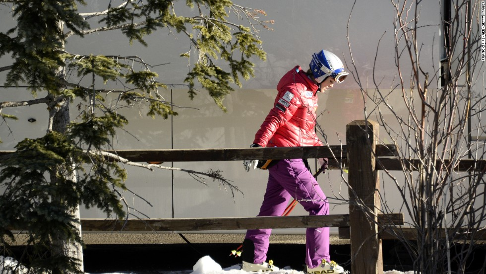 Vonn suffered a setback in December 2013 and had to pull out of a downhill race. She was not able to compete the next year at the Winter Olympics in Russia.