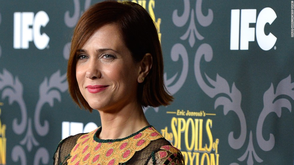 "We've always been envious of Kristen Wiig's long waves, so we were surprised to see the former ""Saturday Night Live"" star jump on the short-hair bandwagon. Wiig was spotted with a kicked-up bob at IFC's screening of ""The Spoils of Babylon"" on January 7."
