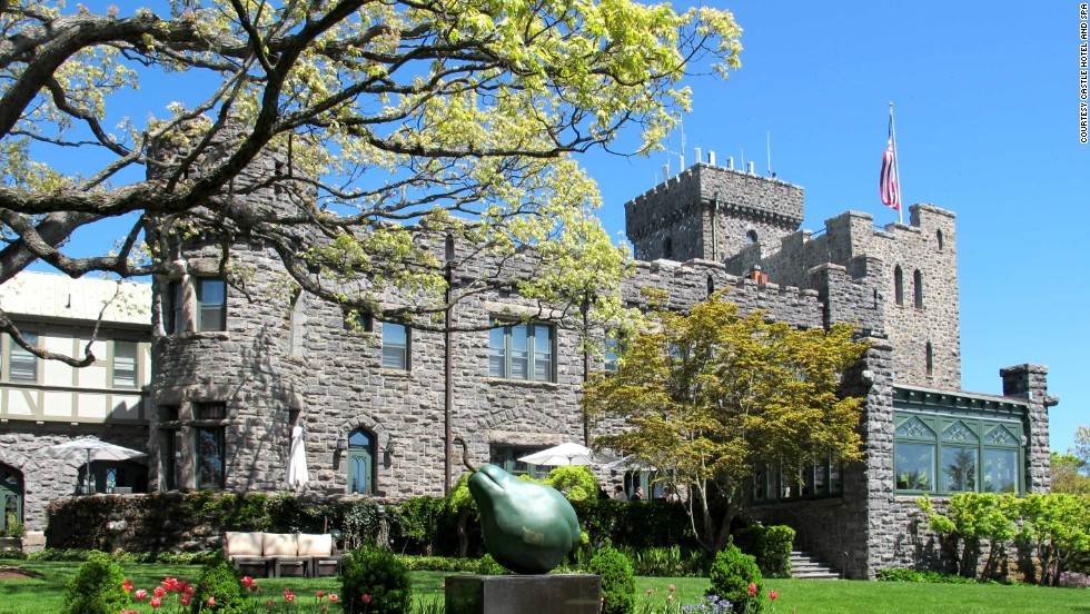 Located thirty minutes north of Manhattan, the Castle Hotel and Spa in Tarrytown, New York, was once the residence of noted newspaperman and playwright General Howard Carroll.