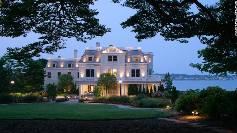 8 elegant mansion hotels in the united states for Best wedding venues in new york state