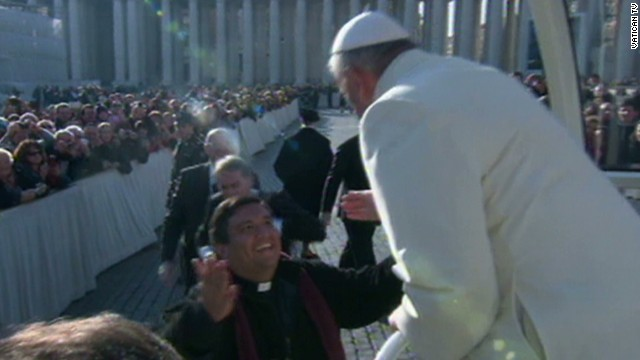 sot pope invites priest into popemobile_00003409.jpg