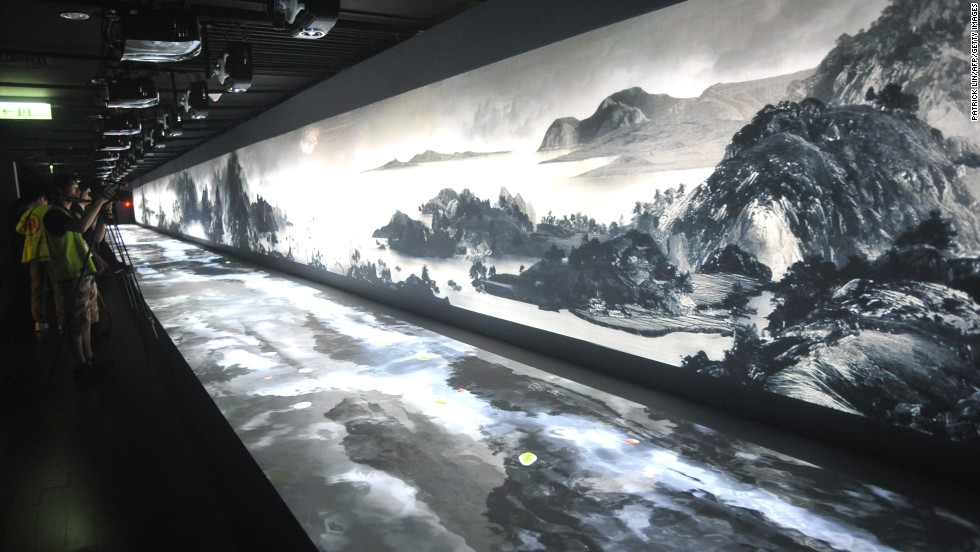 With a permanent collection of more than 650,000 items, Taipei's National Palace Museum has the largest collection of Chinese artifacts and artwork in the world.