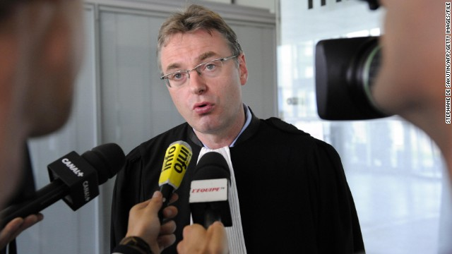 Belgian lawyer Jean-Louis Dupont represented football Jean-Marc Bosman in 1995.
