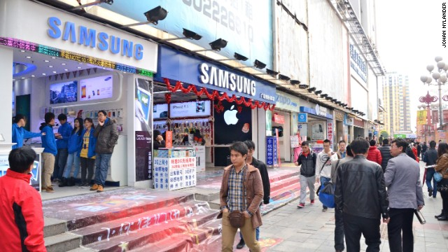 Stores selling Samsung products at Huaqiangbei, a district famous for tech rip-offs.