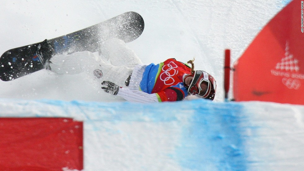 Leading by a huge distance going into the penultimate jump of the first ever women's snowboard cross final at Turin in 2006, U.S. star Lindsay Jacobellis decided to attempt a showy grab and fell over. The error cost her gold.