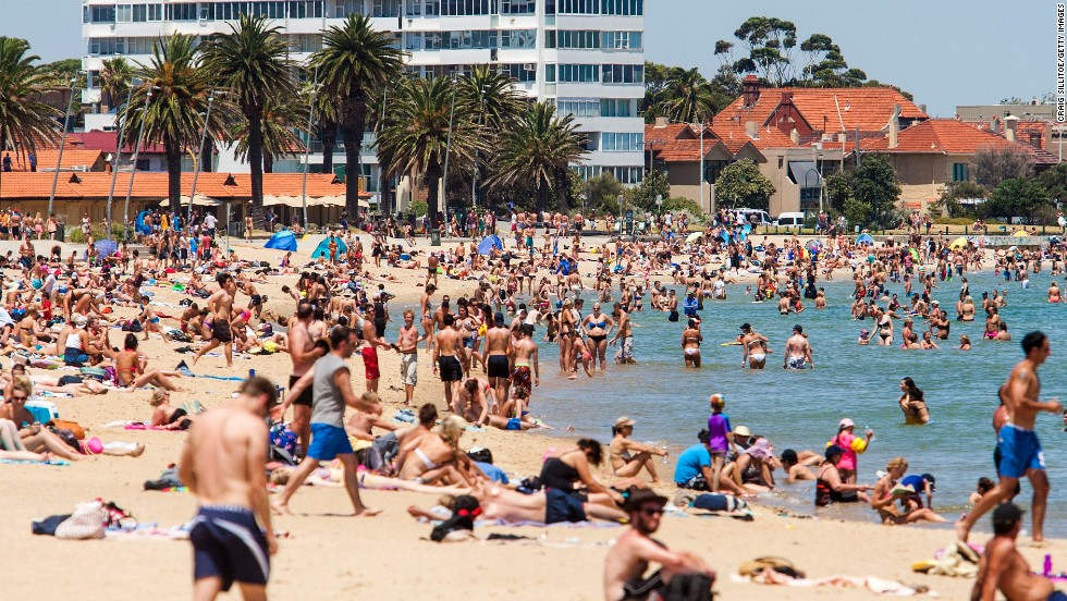 While some chose to head to Melbourne Park, other Melbournians chose to hit St. Kilda beach.