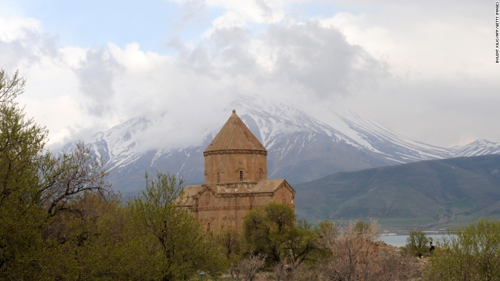 Lake Van is renowned for the Van cat, bred nearby, which supposedly likes swimming, and the ancient Armenian church on Akdamar Island.