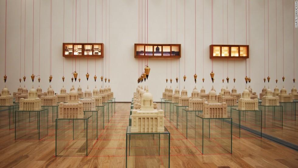"Highlighting Korean modern art, the MMCA's current ""Zeitgeist Korea"" exhibition features the work of 39 modern Korean artists. It's on display until April 27."