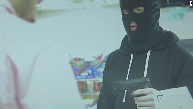 dnt ma fake robbery film_00000209.jpg