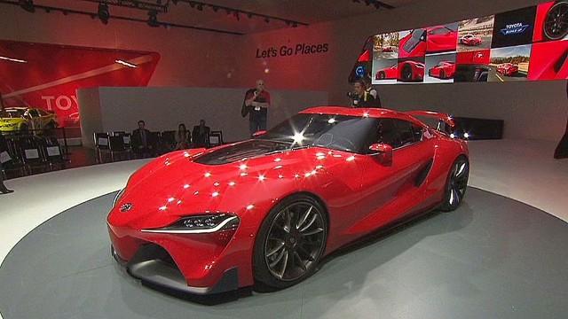 nr pkg auto show and tesla_00002707.jpg