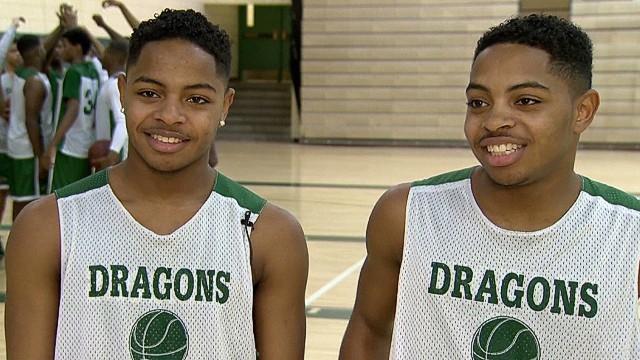 pkg basketball team has four sets of twins_00005530.jpg