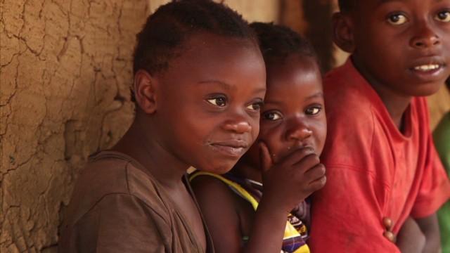 spc inside africa pygmy culture congo b_00042517.jpg