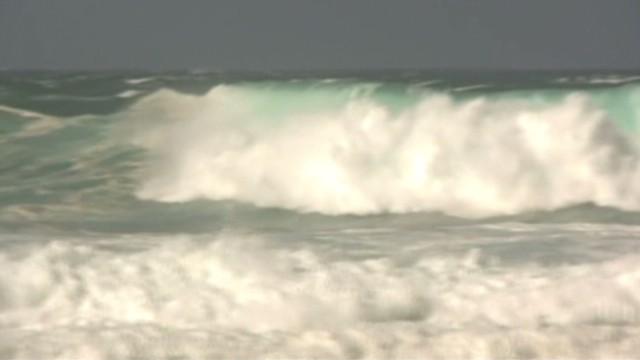 dnt hi big surfer swells_00005423.jpg