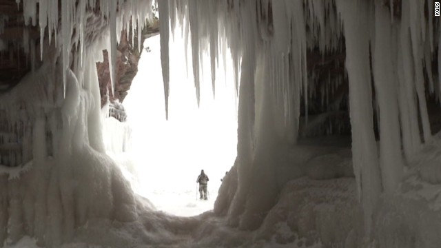 early vo lake superior ice caves _00002123.jpg