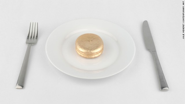 Artist Jin Joo Chae creates a golden Choco Pie.