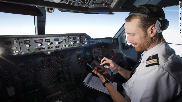 Pilot errors are common, says one air traffic controller, but rarely dangerous or even noticed.