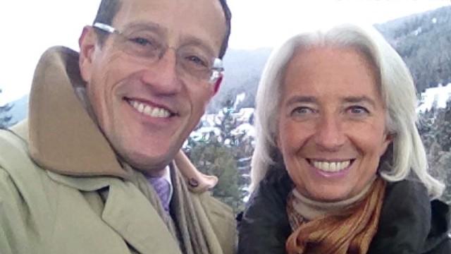 qmb davos 2014 richard quest selfie challenge natpkg_00000811.jpg