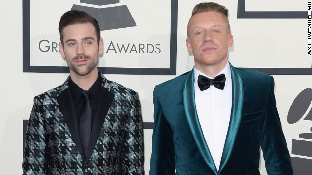 LOS ANGELES, CA - JANUARY 26: Recording artists Ryan Lewis (L) and Macklemore attend the 56th GRAMMY Awards at Staples Center on January 26, 2014 in Los Angeles, California. (Photo by Jason Merritt/Getty Images)