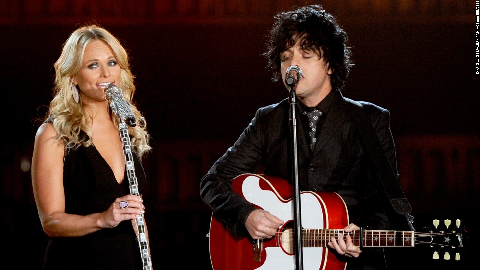 "Miranda Lambert and Billie Joe Armstrong perform ""When Will I Be Loved,"" a classic song written by Phil Everly of the Everly Brothers. The show took place at the Staples Center in Los Angeles."