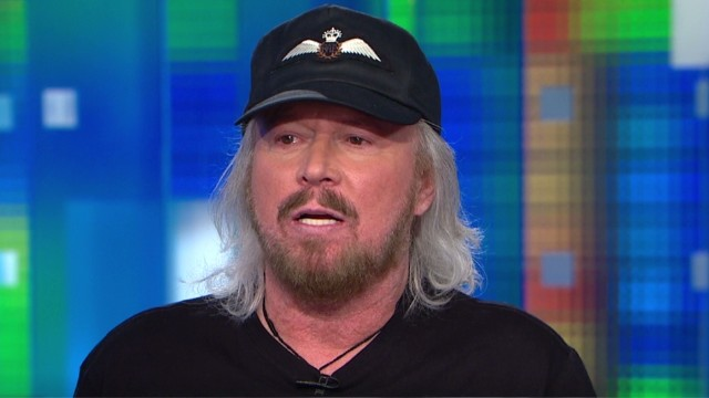 Barry Gibb offers Justin Bieber advice