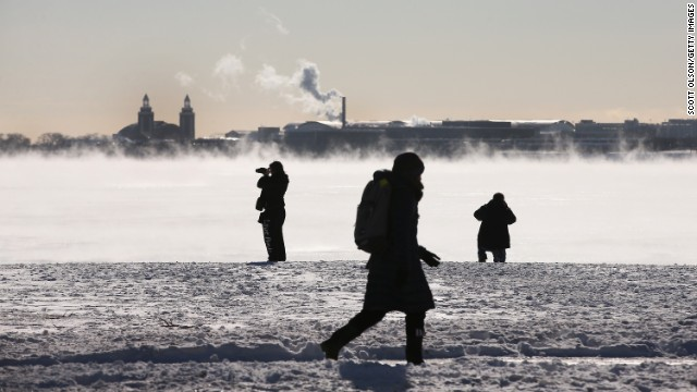 CHICAGO, IL - JANUARY 28:  With temperatures hovering around -10 degrees steam rises from Lake Michigan January 27, 2014 in Chicago, Illinois. The city has had 18 days at or below zero so far this winter, two shy of the 20-day record.  (Photo by Scott Olson/Getty Images)