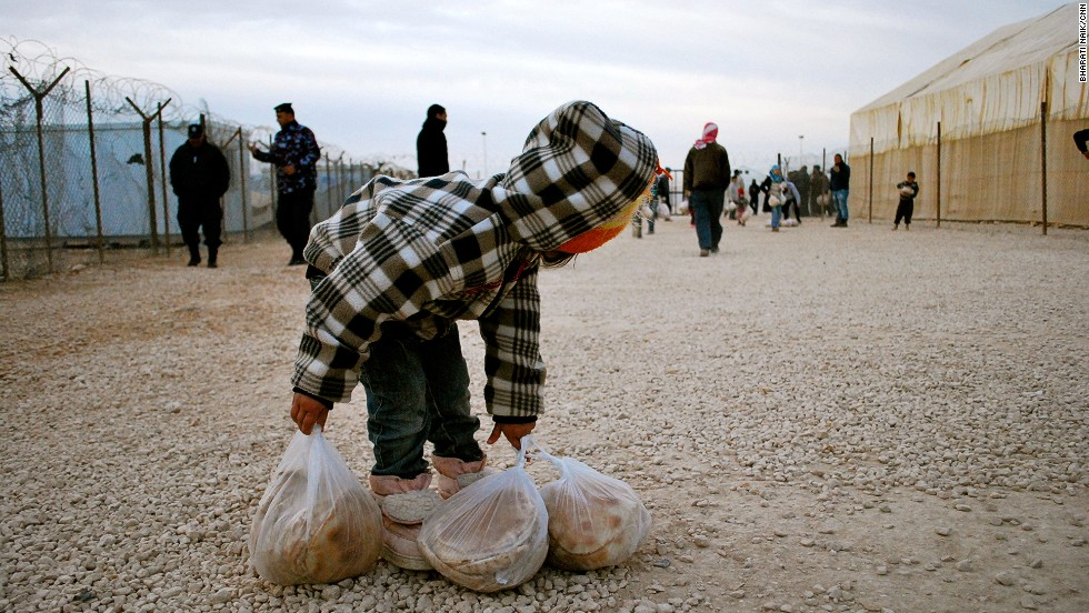 Every morning, an estimated 30,000 people come to collect bread for their families. On average, 500,000 portions of fresh bread are distributed daily in the camp.