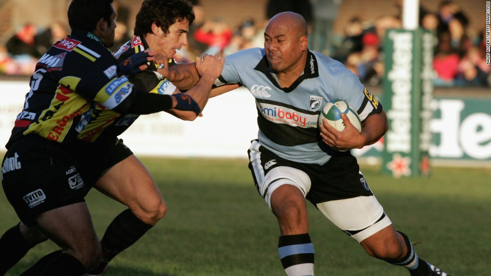 He recovered and played top-level rugby for last time during a spell with the Cardiff Blues in the 2005-06 season, playing 10 times for the Welsh club. He also made three appearances for a French amateur team in the 2009-10 campaign.