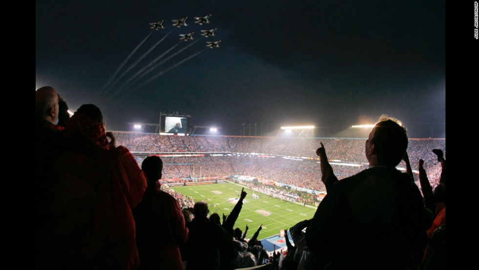 Air Force Thunderbirds fly over Dolphin Stadium in Miami before Super Bowl XLI in 2007.