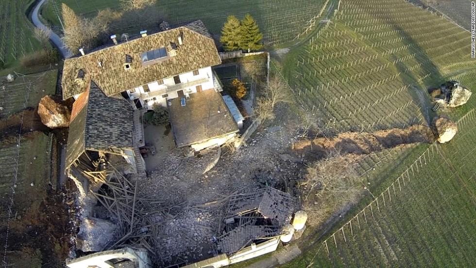 """No hubo reportes de heridos o víctimas mortales. Pero de acuerdo con el departamento de bomberos local, el daño a la propiedad es """"enorme""""."""