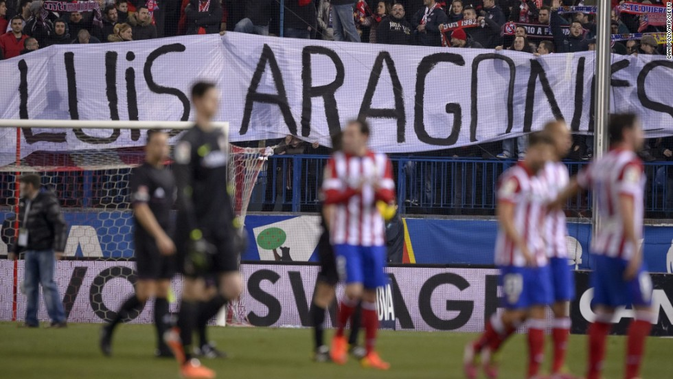 Banners in honor of Aragones were emblazoned all over the Vicente Calderon stadium after his death aged 75 Saturday.