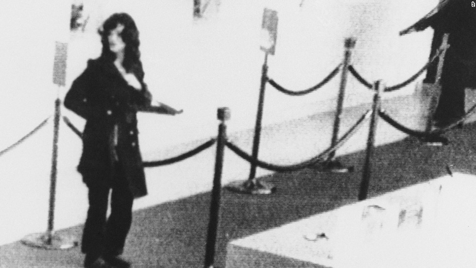 On April 15, 1974, the SLA robbed a Hibernia Bank branch in San Francisco. Security cameras captured this image of Hearst in the robbery.
