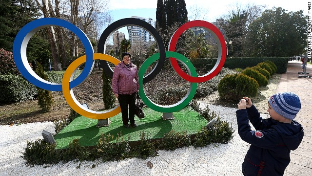 Ex- IOC official: Judge Sochi later