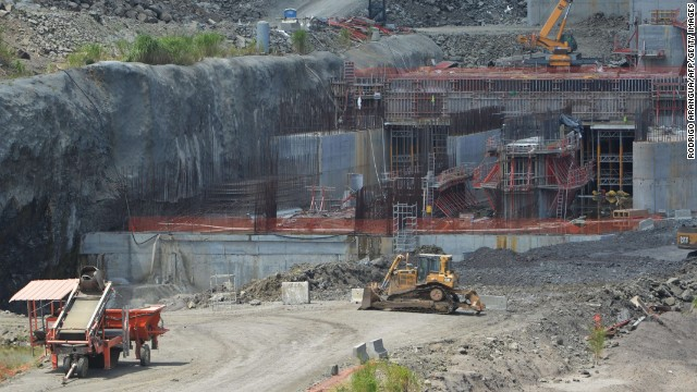View of halted expansion works at Panama Canal locks, in Cocoli, near Panama City, on February 5, 2014. Negotiations over who should pay for extra costs for upgrading the Panama Canal have collapsed, putting the project and up to 10,000 jobs at risk, the Spanish company leading the works announced.