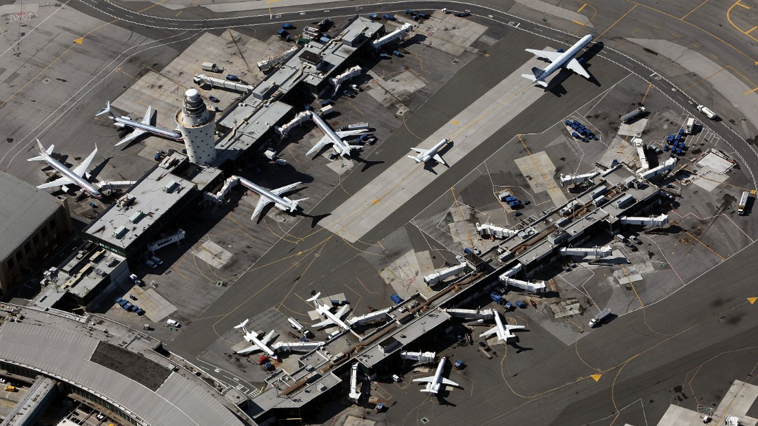 NEW YORK - SEPTEMBER 13: Planes are seen at LaGuardia Airport September 13, 2009 in the Queens borough of New York City.  (Photo by Mario Tama/Getty Images)