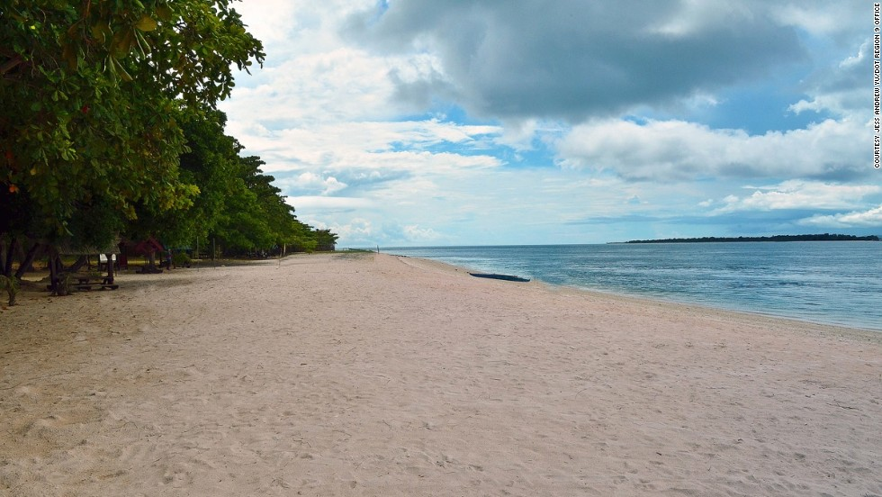 Great Santa Cruz Island is famous for its pink corralline sand, the only beach of its kind in the Philippines.