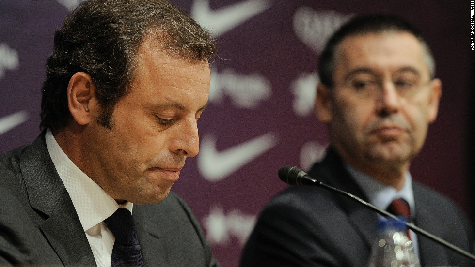 Sandro Rosell quits as Barcelona president a day after a Spanish judge ordered an inquiry into Neymar's transfer, with former vice president Josep Maria Bartomeu moving into the hot seat.