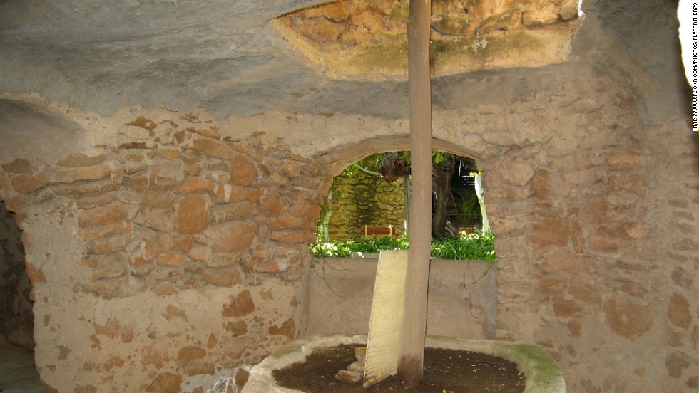 A Sicilian immigrant built this subterranean home and garden modeled after the ancient catacombs of his homeland.