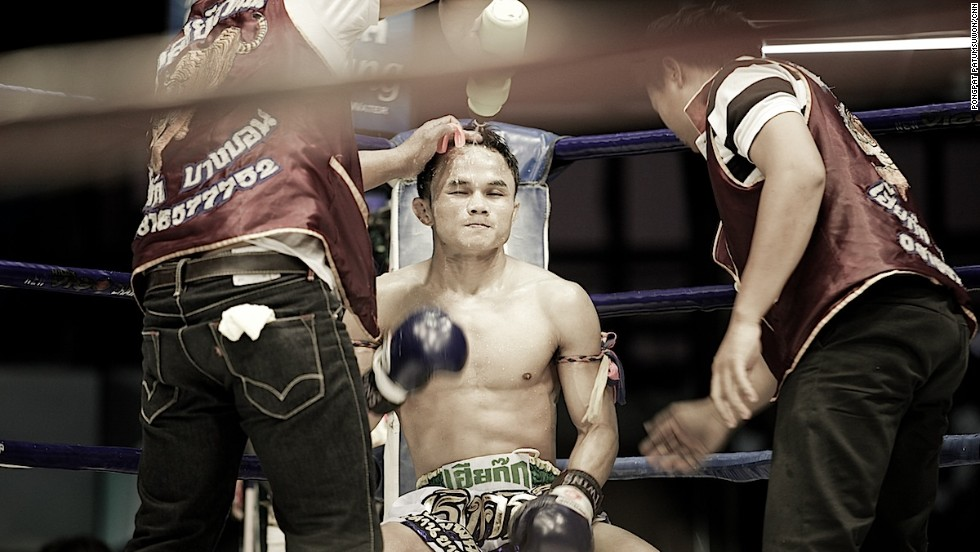 Muay Thai fighters get a two-minute rest between rounds.