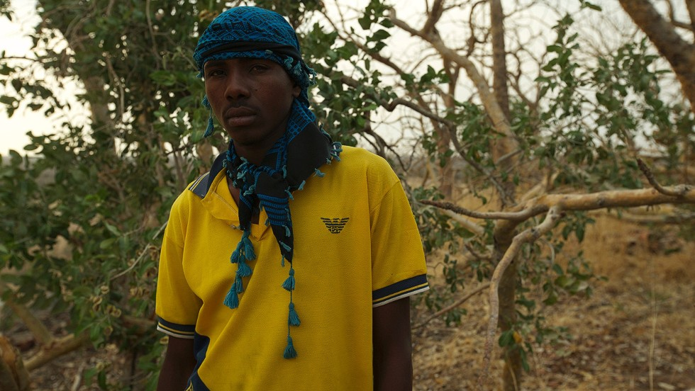 18-year-old Issa Idris visits, for the first time, the site where his father was killed by Sudanese poachers. Evidence recovered from the poacher's camp shows links to the Sudanese military.