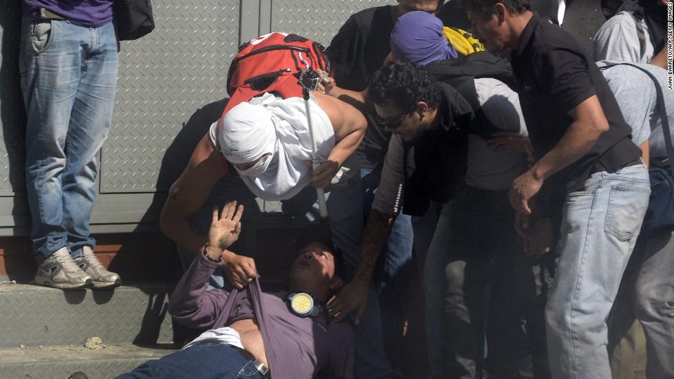 Los manifestantes pidieron la liberación de al menos seis estudiantes detenidos en medio de protestas realizadas en rechazo a la inseguridad.