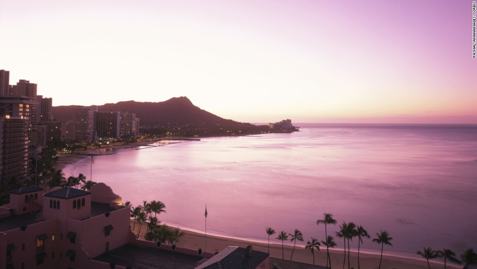 Honolulu has all the elements for a romantic getaway: miles of sandy beaches, dramatic cliffs, balmy weather and a buzzing dining and nightlife scene.
