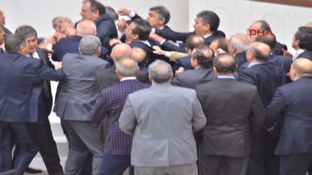vo turkey parliament brawl_00003615.jpg