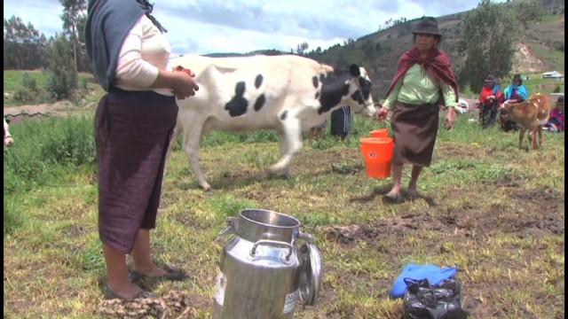 cnnee lopez ecuador indigenous women entrepreneur_00013510.jpg